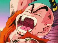 Krilín intentando acabar con Vegeta, con la katana de Yajirobai